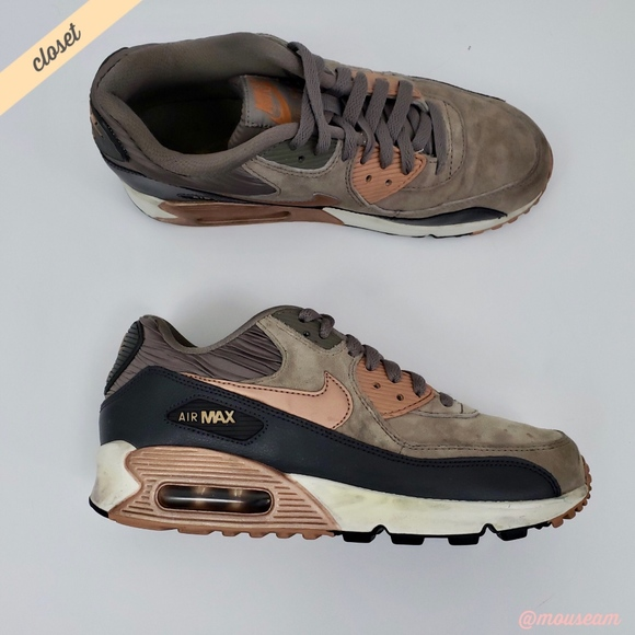 5b5ab2327c0fe  Nike  Air Max 90 Leather Iron Metallic Sneakers. M 5b8438409519969590b6cda1